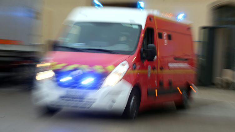 Un camion de pompiers. (Photo d'illustration) (LIONEL VADAM / MAXPPP)