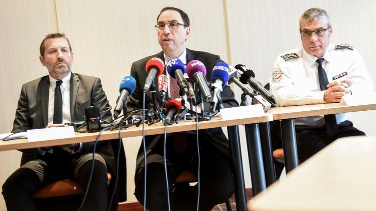 Thierry Pocquet du Haut-Jussé donne une conférence de presse au tribunal de grande instance de Lille (Nord), le 30 avril 2018. (PHILIPPE HUGUEN / AFP)