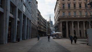 La ville de Milan (Italie), à l'heure où un nouveau confinement est imposé entre autres dans la région de Lombardie, le 6 novembre 2020. (FABRIZIO DI NUCCI / NURPHOTO / AFP)