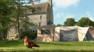 Loisirs : le camping chez les particuliers séduit les Français (France 2)