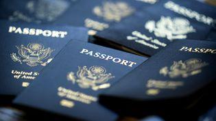 Des passeports des Etats-Unis, le 4 septembre 2020. (JIM LO SCALZO / EPA / MaxPPP)