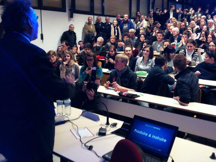 François Bayrou à la lumière de son programme (DR)
