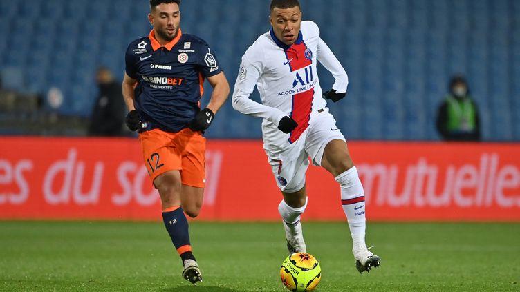 Kylian Mbappé auteur de son 100e but en Ligue 1 face à Montpellier (PASCAL GUYOT / AFP)