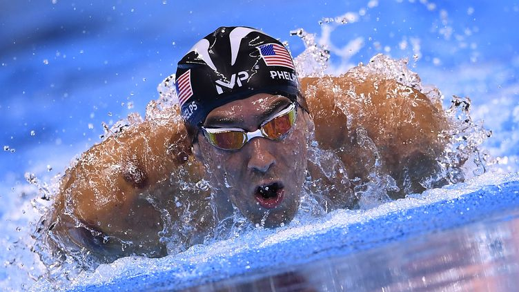 La légende Michael Phelps en action. (GABRIEL BOUYS / AFP)