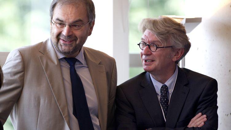 François Chérèque et Jean-Claude Mailly, à Paris le 9 juillet 2012. (CHARLES PLATIAU / POOL)