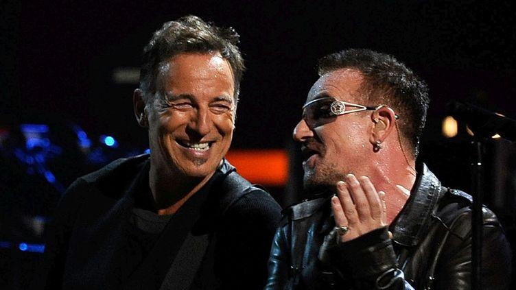 Bruce Springsteen et Bono de U2 en 2009 au Madison Square Garden de New York.  (Theo Wargo/Getty Images)