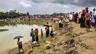 Des réfugiés Rohingyasarrivent àTeknaf au Bangladesh, une ville près de la frontière birmane, le 8 septembre 2017. (KHANDAKER AZIZUR RAHMAN SUMON / NURPHOTO / AFP)
