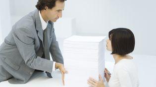 Les femmes gagnent en moyenne 19,2% de moins que les hommes, selon des calculs effectués par la Dares, le service d'études statistiques du ministère du Travail. (ALIX MINDE / ALTOPRESS / AFP)