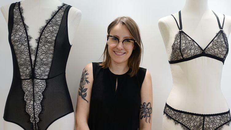 La créatrice de lingerie Paloma Casile dans sa boutique parisienne, en juillet 2018  (Corinne Jeammet)