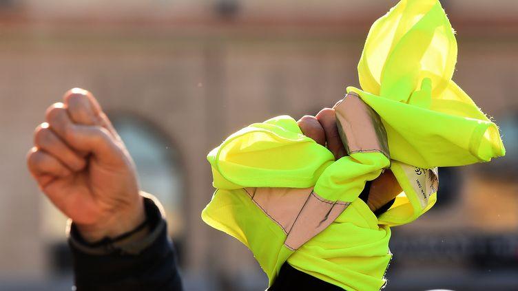"""Les """"gilets jaunes"""" vont-ils se structurer jusqu'à s'allier avec d'autres mouvements européens ? (Boris Horvat / AFP)"""
