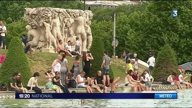Fortes chaleurs : les Parisiens accueillent le soleil