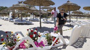 Sur les lieux de l'attaque terroriste sur la plage de l'hôtelRiu Imperial Marhaba, près de Sousse, en Tunisie, le 27 juin 2015. (KENZO TRIBOUILLARD / AFP)