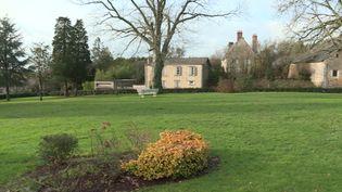 Le parc de la commune de Vaiges en Mayenne sera réaménagé grâce au don de 1 million d'Euros (France 3)