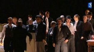 """Comédiens professionnels et amateurs dans """"Le Brame des biches"""" au Théâtre du Peuple  (Culturebox)"""