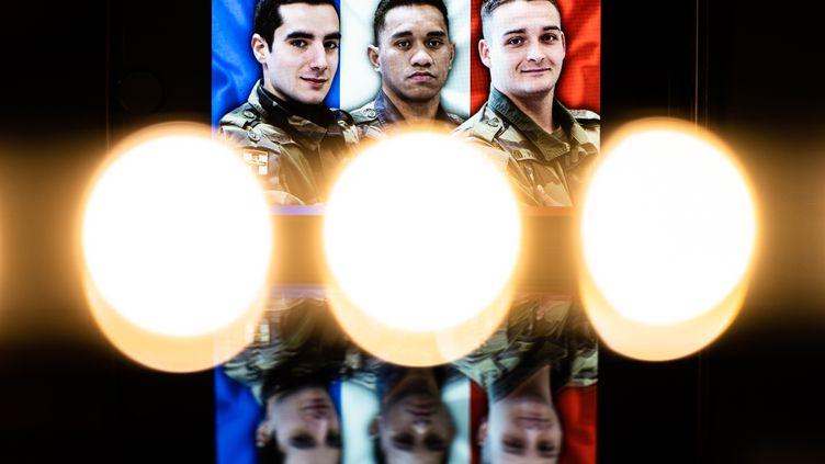 Les trois soldats français morts au Mali le 28 décembre 2020. (XOSE BOUZAS / HANS LUCAS / AFP)