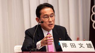 Fumio Kishida s'exprime lors d'un débat organisé par leParti libéral-démocrate, le 20 septembre 2021 à Tokyo (Japon). (PHILIP FONG / POOL / AFP)