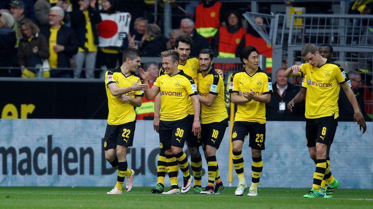 La joie des joueurs de Dortmund (LEON KUEGELER / ANADOLU AGENCY)