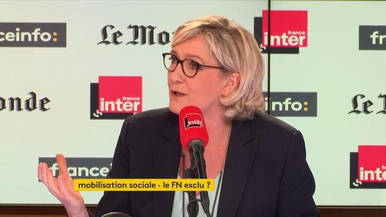 """Marine Le Pen, présidente du Front national, invitée de """"Questions Politiques"""" sur franceinfo/France Inter dimanche 8 avril. (RADIO FRANCE)"""