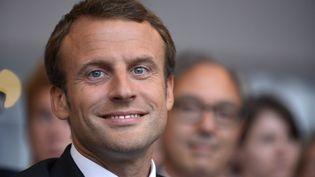 Le ministre de l'Economie Emmanuel Macron à l'unversité d'été du Medef, le 27 août 2015, à Jouy-en-Josas (Yvelines). (ERIC PIERMONT / AFP)