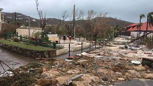 Une rue dévastée de Gustavia, le 7 septembre 2017 à Saint-Barthélemy. (KEVIN BARRALLON / FACEBOOK / AFP)