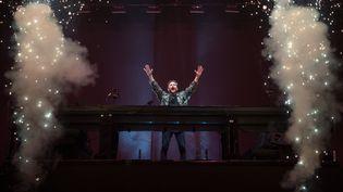 """David Guetta lors de son concert au festival """"Vieilles Charrues"""", le 21 juillet 2019 à Carhaix-Plouger (Finistère). (LOIC VENANCE / AFP)"""