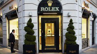 La devanture de la boutique de luxe Rolex rue François Ier à Paris. (BLANCHOT PHILIPPE / HEMIS.FR)