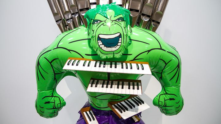 Hulk (Orgue), 2004 - 2014, sculpture en bronze polychrome et technique mixte de Jeff Koons. (ELODIE DROUARD / FRANCETV INFO)
