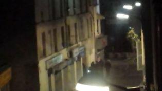 Capture d'écran d'une vidéo amateur montrant l'assaut de Saint-Denit, mercredi 18 novembre. (FRANCE 2)