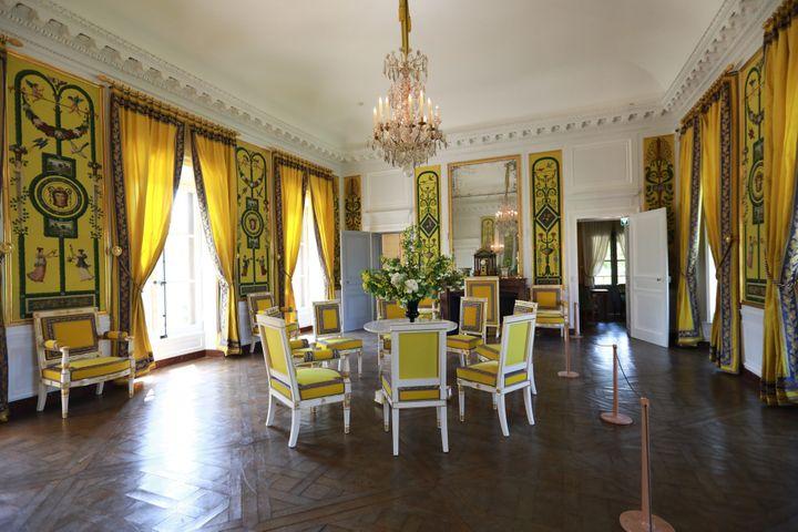 A Versailles, le salon de la Maison de la Reine , restaurée (4 mai 2018)  (Philippe Lavieille / Le Parisien / PhotoPQR / MAXPPP)