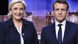 Marine Le Pen et Emmanuel Macron, le 3 mai 2017, avant le débat de l'entre-deux-tours. (ERIC FEFERBERG / AFP)