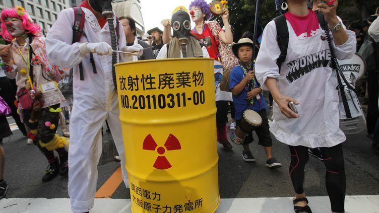 Manifestation anti-nucléaire à Tokyo (Japon), le 29 juillet 2012. (YURIKO NAKAO / REUTERS)