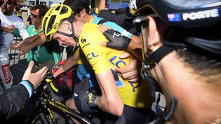 Christopher Froome à l'arrivée de la montée de l'Alpe d'Huez, lors de la 20e étape du Tour de France, le 20 juillet 2015. (YORICK JANSENS / BELGA MAG / AFP)