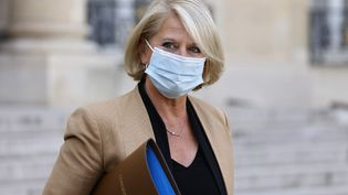 Brigitte Bourguignon,ministre déléguée chargée de l'Autonomie, le 13 octobre 2021 à Paris. (LUDOVIC MARIN / AFP)