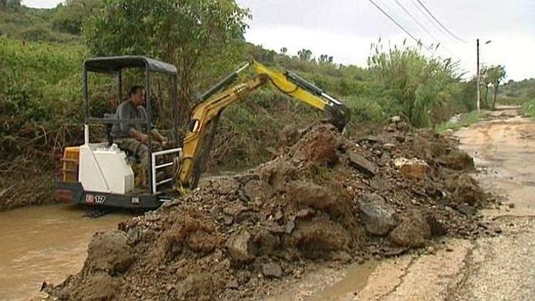 Le nettoyage des rivières et ruisseaux se poursuit pour éviter les inondations, le 9 octobre 2014. (GOOGLE MAPS / FRANCE 3 LANGUEDOC ROUSSILLON)