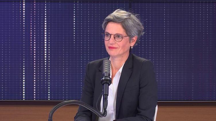 Sandrine Rousseau, candidate à la primaire écologiste, jeudi 9 septembre sur franceinfo. (FRANCEINFO / RADIO FRANCE)