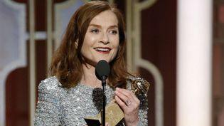 "Isebelle Huppert Golden Globe de la meilleure actrice dans ""Elle"", janvier 2017  (Paul Drinkwater/AP/SIPA)"