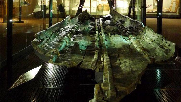 Le bateau de l'âge du Bronze dans une galerie spéciale du musée de Douvres  (Anne Lehoërff pour Boat 1550 BC)