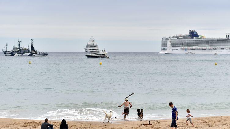 La plage de Cannes (Alpes Maritimes), le 13 mai 2016. (LOIC VENANCE / AFP)