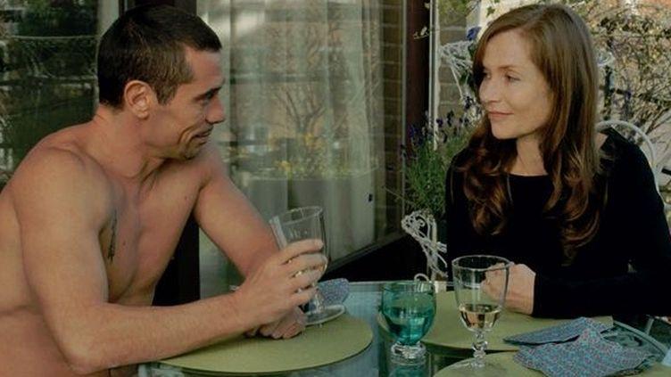 """Kool Shen et Isabelle Huppert dans """"Abus de confiance"""" de Catherine Breillat  (Flach Film Production)"""