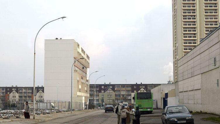 Une mère et sa fille ont péri dans l'incendie d'un immeuble àMontereau-Fault-Yonne(Seine-et-marne), mercredi 15 avril. (JOEL ROBINE / AFP)