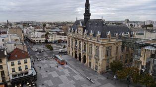 Le quartier de l'hôtel de ville de Saint-Denis (Seine-Saint-Denis). (CHRISTOPHE ARCHAMBAULT / AFP)