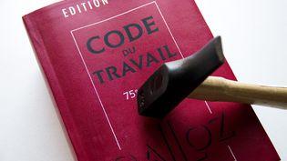 Une édition du Code du travail. (MARTIN BERTRAND)