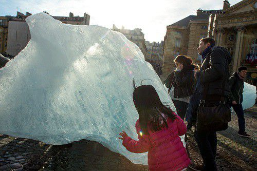 """Ice Watch"" installation éphèmère d'Olafur Eliasson  (IP3 PRESS/MAXPPP)"