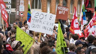 Une manifestation contre la réforme du Code du travail à l'occasion de la venue d'Emmanuel Macron, à Toulouse (Haute-Garonne), le 11 septembre 2017. (ERIC CABANIS / AFP)