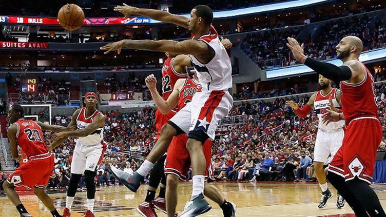 Trevor Ariza a martyrisé la défense des Bulls (WIN MCNAMEE / GETTY IMAGES NORTH AMERICA)