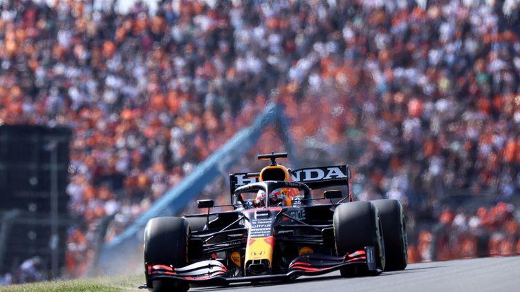 Le pilote néerlandais Max Verstappen (Red Bull) lors des premiers essais libres du Grand Prix des Pays-Bas, sur le circuit de Zandvoort. (KENZO TRIBOUILLARD / AFP)