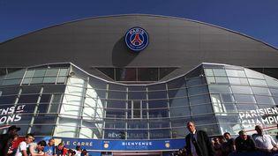 L'entrée du Parc des Princes, à Paris, avant un match entre le PSG et le FC Barcelone, le 15 avril 2015. (BACKPAGE IMAGES / BACKPAGE IMAGES LTD / AFP)