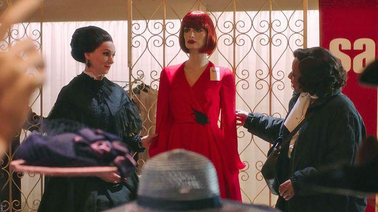 """Fatma Mohamed et Marianne Jean-Baptiste dans """"In Fabric"""" dePeter Strickland. (Copyright Bankside Films)"""