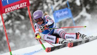 La skieuse française Tessa Worleysur le géant slalom de Kronplatz le 26 janvier 2021. (MARCO BERTORELLO / AFP)