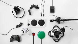 La Manette Adaptative Xbox, conçue pour améliorer l'expérience de jeu des personnes en situation de handicap, sera disponible d'ici à la fin 2018. (MICROSOFT)